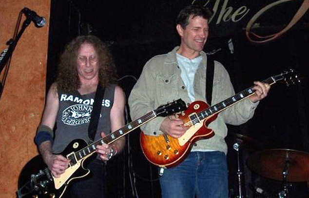 Waddy Wachtel, Chris Isaak   2006