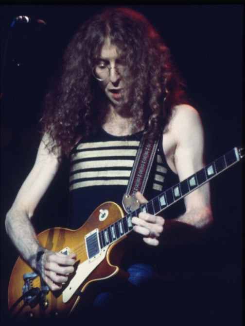 Waddy with his 1960 Les Paul Sunburst (Photo by Chuck Mayer)