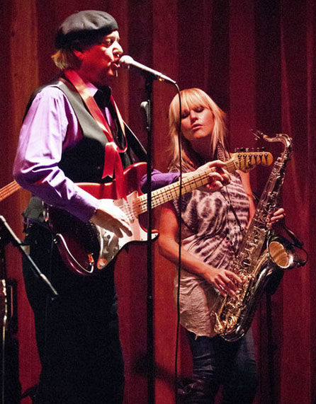 Keith Allison, Mindi Abair (photo by Robert Bruns)