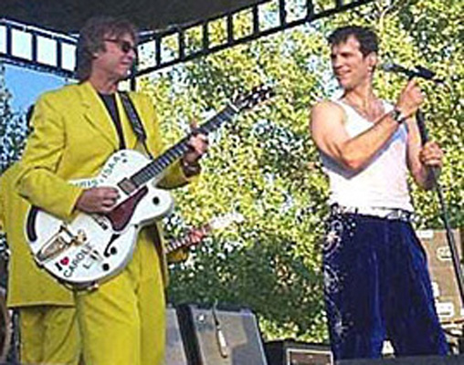 Brett Tuggle, Chris Isaak