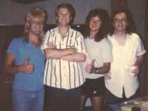 Gregg Bissonette, Brian Wilson, Brett Tuggle, Steve Hunter 1989