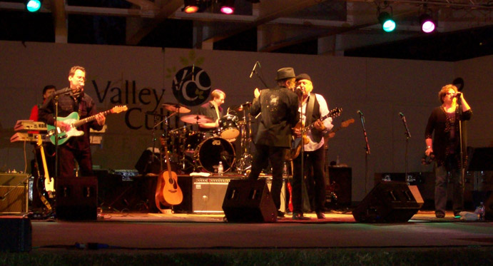 Keith Allison with Micky Dolenz band - Warner Park, Los Angeles 8/29/10