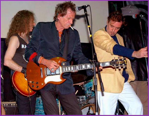 Waddy Wachtel, Keith Richards, Terry Reid 10/28/02 (photo by Mark Sullivan)