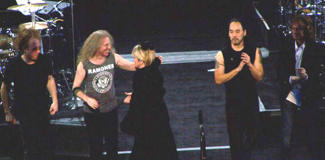 "Jimmy Paxson, Waddy Wachtel, Stevie Nicks, Taku Hirano, Brett Tuggle ""Dreams"" / ""Two Voices"" / ""Gold Dust"" 2005 - 2006 Tour"