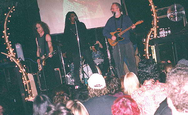 Waddy Wachtel, Bernard Fowler, Phil Jones, Jack Tempchin, Rick Rosas 2001