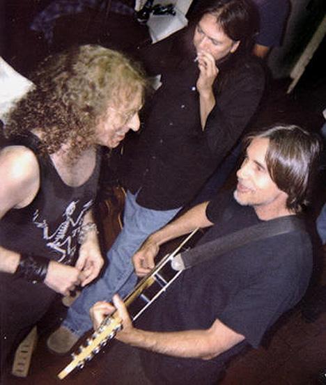 Waddy Wachtel, Rick Rosas, Jackson Browne  backstageSeptember 2003