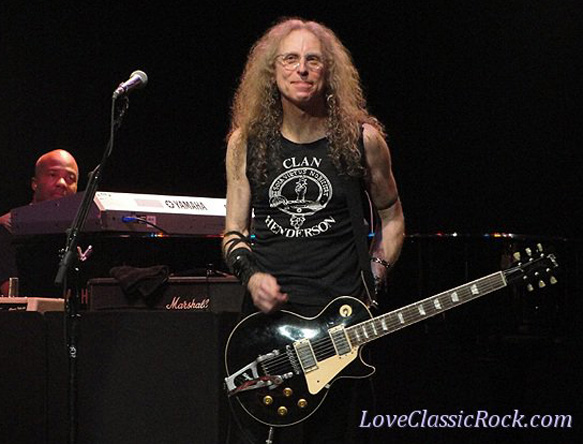 Darrell Smith, Waddy Wachtel - Wiltern Theater 5/26/11 (Photo by Cindi Carter)