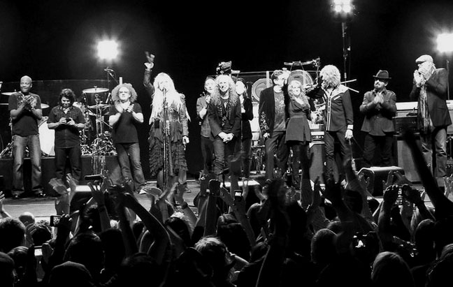 Darrell, Al, Jimmy, Stevie, Carlos, Waddy, Lori, Ricky, Sharon, Peter, Dave, Mick - Wiltern Theater 5/26/11 (Photo by Maria Younghans)