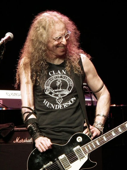 Waddy Wachtel - Wiltern Theater 5/26/11 (Photo by Maria Younghans)