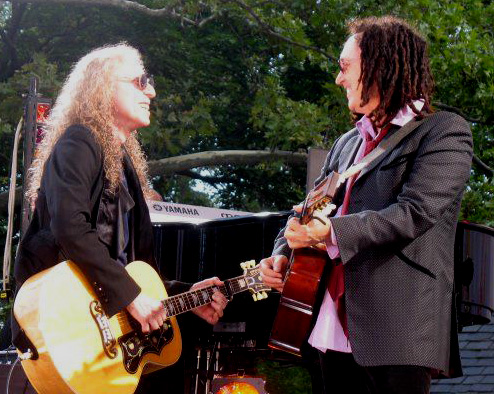 Waddy Wachtel, Mike Campbell (photo by Amy Weisel)