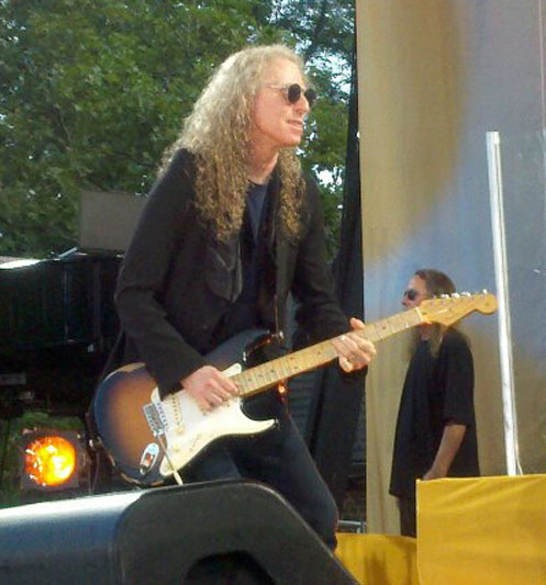 Waddy Wachtel (Photo by Anna Balsamo)