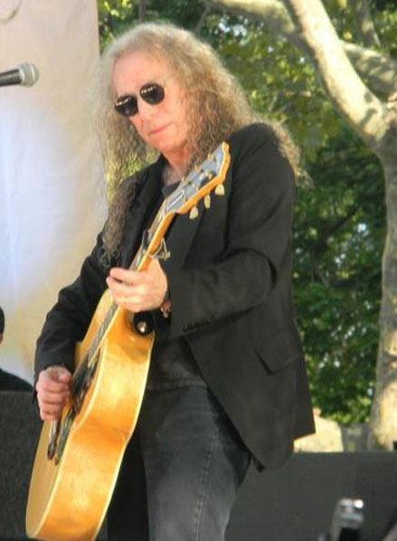 Waddy Wachtel (Photo by Mike Pierro)