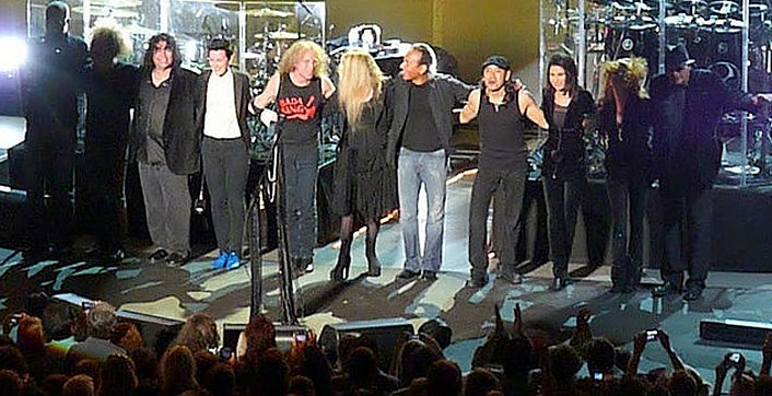 Darrell Smith, Jimmy Paxson, Al Ortiz, Mia Dyson, Waddy Wachtel, Stevie Nicks, Carlos Rios, Taku Hirano, Sharon Celani, Lori Nicks, Ricky Peterson 8/4/10 Santa Barbara - photo by L. Paul Mann
