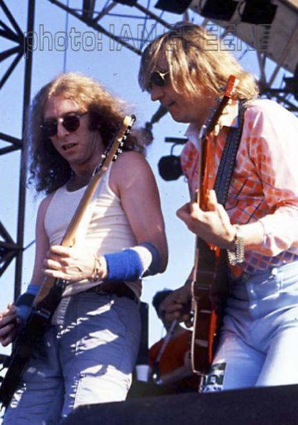 Waddy Wachtel, Joe Walsh 1985 Australia (Photo by Ian Greene)