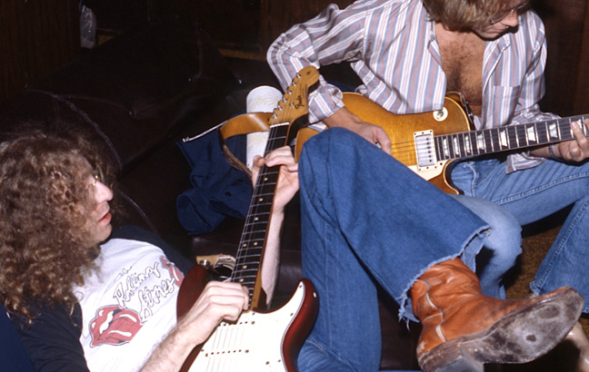 Waddy Wachtel, Warren Zevon - in the studio 1979 (Photo by George Gruel)